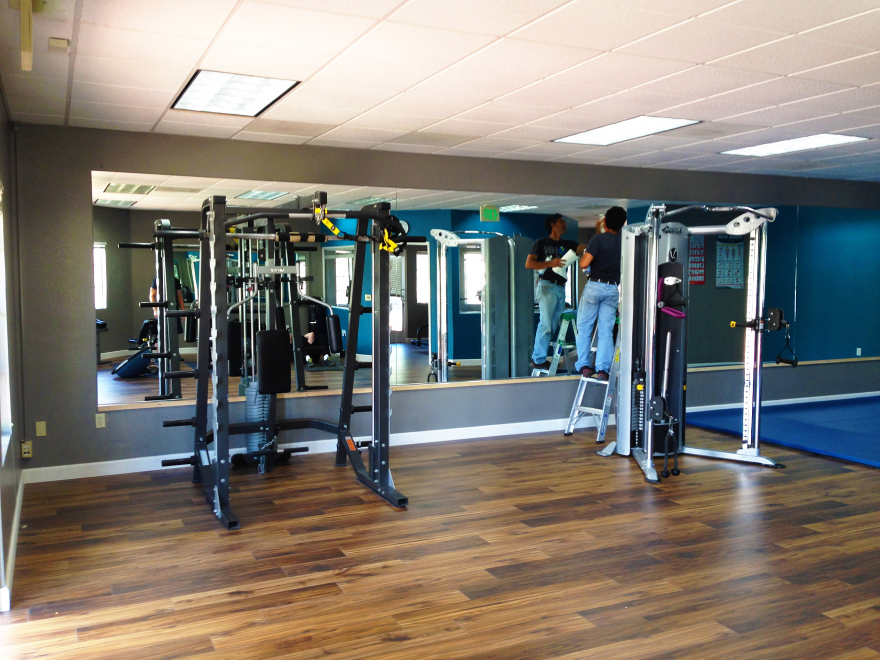 Portfolio nicks glass and mirrors gym wall mirrors amipublicfo Choice Image